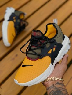 Fashion shoes sneakers casual outfits 18 www Mrsbroos Fashion shoes sneakers casual outfits 18 www Mrsbroos Casual Sneakers, Sneakers Fashion, Fashion Shoes, Mens Fashion, Fashion Outfits, Nike Casual Shoes, Style Fashion, Cute Shoes, Me Too Shoes