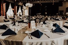 Wedding at Backstage at the  Meyer Theatre in Green Bay, WI. – Premier Bride Northeast Wisconsin Blog | Photo by Hove Photography, LLC