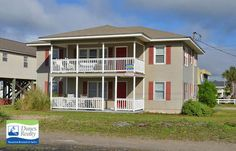 Electa's Place | Bedrooms: 6 | Baths: 4 Full | Accommodates: 16 | Second Row | 327 North Waccamaw Drive | Second Row (North) | 0.2 mile north of Garden City Pier