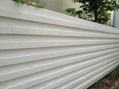 Mad for Mid-Century: Wood Mid-Century Modern Fence Modern Fence Design, Modern Landscape Design, Modern Landscaping, Wood Design, Landscaping Tips, Backyard Walkway, Cheap Pool, Living Fence, Outdoor Living