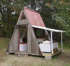When DIY'ers set out to build their own tiny homes, there are usually three factors they consider most important before settling on a design and starting the project: they want something affordable to build, something simple to construct, and something that can be built quickly. This amazingly detailed 110 square foot A-frame cabin meets all those requirements in...Read More »
