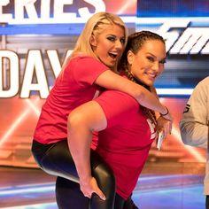 Lexi Kaufman, Nia Jax, Money In The Bank, Raw Women's Champion, Female Wrestlers, Wwe Photos, Superstar, Evolution, Bliss