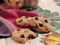 BISQUICK CHOCOLATE CHIP COOKIES - QUICK AND EASY TO MAKE!