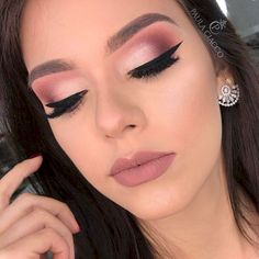 Makeup Looks Dry their Makeup Vanity Dresser off Best Natural Makeup Brands In India. Makeup Concealer over Makeup Vanity Made From Pallets Makeup Goals, Makeup Inspo, Makeup Inspiration, Makeup Tips, Makeup Ideas, Makeup Tutorials, Makeup Style, Cute Makeup, Prom Makeup