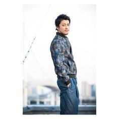 #小栗旬#旬ぐらむ 名前呼んだらこんな風に振り向いてくれそう Shun Oguri, Crows Zero, Great Teacher Onizuka, Japanese Love, Kudo Shinichi, Live Action Movie, Famous Movies, Rich Man, My King