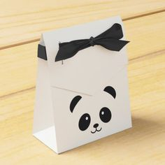 Cute and Cuddly Panda Favor box - simple clear clean design style unique diy Panda Party Favors, Panda Themed Party, Panda Birthday Party, Birthday Party Decorations, Birthday Gifts, Diy Birthday, Panda Decorations, Baby Shower Decorations, Diy Crafts For Gifts