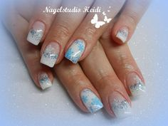 Schneeflocken blau weiß