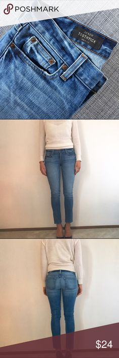 J. CREW skinny jean Style : TOOTHPICK 98% cotton 2% poly J. Crew Jeans Ankle & Cropped