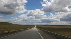 Patagonië behoort tot de mooiste streken van de wereld en de mooiste route door zuid Patagonië uitstippelen is dan ook niet moeilijk. Je kúnt er gewoon geen lelijke route rijden, al doe je nog zo je best. Ushuaia, Country Roads, Clouds, Outdoor, Bahia, Santa Cruz, El Calafate, Buenos Aires, Patagonia