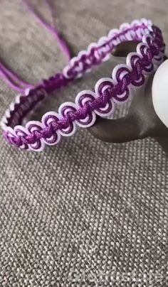 Hemp Jewelry, Fabric Jewelry, Beaded Jewelry, Beaded Bracelets, Diy Bracelets Easy, Bracelet Crafts, Jewelry Crafts, Friendship Bracelets Designs, Bracelet Designs