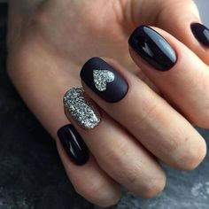 Do you need the latest gel short nails inspiration in We have the abundant and popular short nail ideas in 2020 for you. The 36 simple and unique short nail ideas will bring new inspiration to your nail design. Holographic Nails, Gradient Nails, Stiletto Nails, Coffin Nails, Acrylic Nails, Gel Nail Art Designs, Short Nail Designs, Nails Design, Black Nail Designs