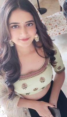 Beautiful Girl Photo, Beautiful Girl Indian, Cute Beauty, Beauty Full Girl, Desi Girl Image, Dehati Girl Photo, Indian Girl Bikini, Most Beautiful Bollywood Actress, Indian Girls Images