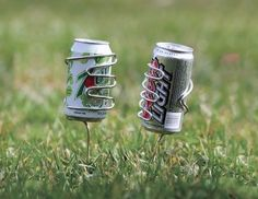 Lawn Drink Holders... I could make these out of wire. Easy