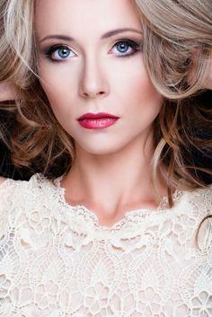 beauty model: Monika Kwiatek photo & makeup: Joanna Niedźwiecka