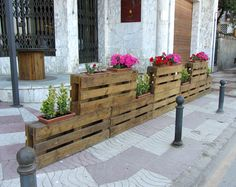 20 Cheap Ideas with Wooden Pallets - Inspiring Outdoor Spaces - Wooden Pallet Furniture, Wooden Pallets, Pallet Wood, Recycled Pallets, Recycled Wood, Diy Pallet Projects, Wood Projects, Backyard Pallet Ideas, Pallet Pergola