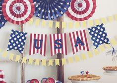 FREE Banner | A Patriotic 4th of July by ThreeLittleMonkeysStudio.com