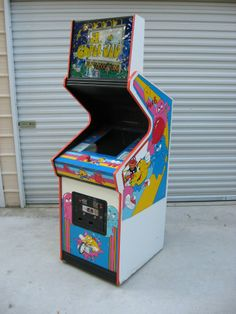 In this dedicated form with full sideart less than 25 still exist. Arcade Game Machines, Arcade Machine, Arcade Games, Pinball Games, Vintage Video Games, Classic Video Games, Best Spotify Playlists, Arcade Room, Video Game Music