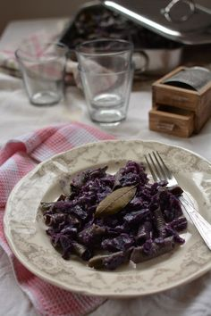 Garganelli Gratin in a Red Cabbage and Cheese Sauce