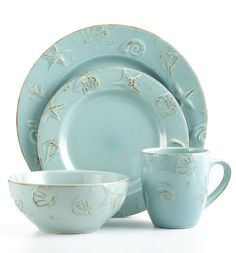 Love this set...now i am in search of it! Starfish & Seashells... so far, I only haqve the mugs ⚓  Beach Cottage Life