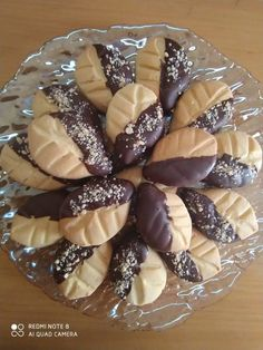 Greek Sweets, Food Gallery, Biscuit Cookies, Christmas Desserts, Doughnut, Biscuits, Food And Drink, Butter, Pudding