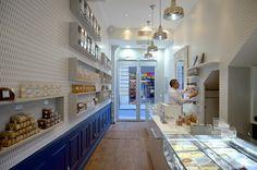 Une Glace a Paris ice cream shop featuring gluten free, vegan ice cream flavors using La Noix Tigrée's organic tigernut milk