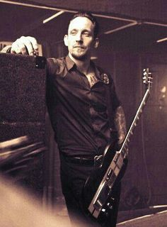 But someone fall in love with Michael Poulsen like me?
