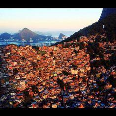 Rocinha ; the largest favela in Rio de Janeiro