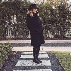 #black #classicstyle #fashion #winterblack #blonde #haircolor #curls #hat #blackboots