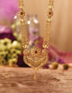 Rivaah presents gold and kundan encrusted jewellery for brides from all parts of India and caters to all Indian weddings. Gold Mangalsutra Designs, Gold Earrings Designs, Gold Jewellery Design, Necklace Designs, Jewellery Box, Silver Jewellery, Real Gold Jewelry, Gold Jewelry Simple, Indian Jewelry