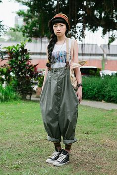 SML00298 on Flickr. Huashan Creative Park, TAIPEI. Kuan Kuan, stylist. Converse shoes, Chez L'Artiste shirt, Ahcahcum Muchacha bag, Creampp hat, vintage jewelry and suspenders.