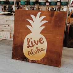 Live Aloha Pineapple from Dear Olympia / rustic ombre sign painted with CeCe Caldwells Paints Vintage White, and middleton mustard using Hickory Stain + Finish (eco-friendly chalk + clay paints) #dearolympia #cececaldwellspaints coastal / beach / Hawaii / Hawaiian  / Ocean inspired home decor sign