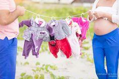 Maternity photography cloudy day Maternidade, fotografia de gestante, grávida, Peruíbe/SP Praia, Beach, Cloudy, gramado,verde, flores, green, grass Fotografia profissional em Praia Grande/SP
