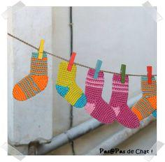 SC n°194 : guirlande de chaussettes au crochet