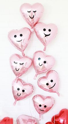 Take a marker and trace out some cute faces on the baloon like this!