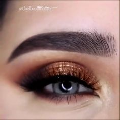 Stunning Eye Makeup Tutorial (Click The Link ) – Make-up ideen Makeup Looks For Brown Eyes, Makeup Eye Looks, Eye Makeup Steps, Smokey Eye Makeup, Plum Smokey Eye, Smokey Eyeshadow, Eyeshadow For Blue Eyes, Eyeshadow Looks, Makeup Eyeshadow