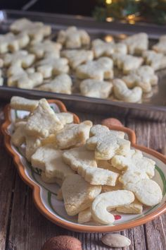 These Italian Almond Cookies are a soft cut out cookie, fast and easy to make. Made with only 6 ingredients they make a nice addition to your Holiday Cookie tray. Cookie Desserts, Cookie Recipes, Dessert Recipes, Cookie Tray, Super Cookies, Yummy Cookies, Italian Christmas Cookies, Christmas Desserts, Holiday Baking