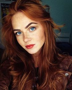 Burgundy Brown - 40 Red Hair Color Ideas – Bright and Light Red, Amber Waves, Ginger Hair Color - The Trending Hairstyle Beautiful Red Hair, Beautiful Redhead, Beautiful Eyes, Pretty Red Hair, Beautiful Women, Natural Red Hair, Natural Redhead, Natural Makeup, Red Hair Woman