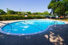 102 Silvercreek Pkwy N, Guelph for rent Outdoor Swimming Pool, Swimming Pools, Multi Storey Building, Fitness Facilities, Beautiful Park, Public Transport, Bedroom Apartment, Ontario, Apartments