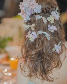 ヘアスタイルに悩んだらチェック♡ヘアアクセサリーは、やっぱり王道のお花飾りにしましょう* | marry[マリー]