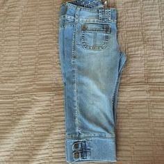 Denim Capris Cute denim capris. Label says size 7 however fits like a 1/2. Industrial Cotton Jeans Ankle & Cropped