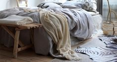 unmade bed- detail