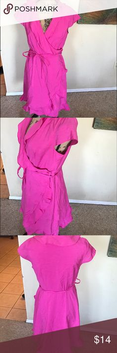 """🆕 Pretty in Pink Great wrap dress. Buttons on inside and at waist. Includes tie. Bust 17"""" length 36"""" I. EUC Apt. 9 Dresses Midi"""