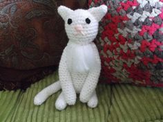 Sitting cat crochet white cat amigurumi sitting by SalemsShop