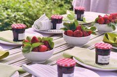 bowls of fresh strawberries as alternative centerpieces.