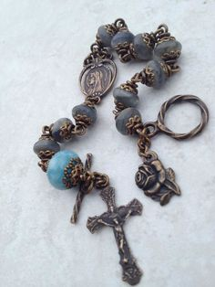 All Beautiful Catholic Beads: Past Rosary Bracelets Gallery Catholic Jewelry, Rosary Catholic, Rosary Bracelet, Rosary Beads, Old Jewelry, Jewelry Making, Jewelry Ideas, Jewellery, Handcrafted Jewelry