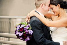 Wedding photos - pose. Love the draped bouquet.
