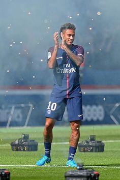Neymar Jr Source : Photo