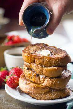 Add chai tea or chai spices to French toast mixture! Chai Coconut Milk Vegan French Toast- I like to use arrowroot powder instead of corn starch Vegan Breakfast Recipes, Vegan Recipes, Brunch Recipes, Free Recipes, Chai Spice Recipe, Tofu, Vegan French Toast, Coconut French Toast, Curry