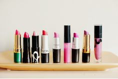 i wanna line up all my lip sticks too. so pretty.
