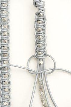 Montagem de Bijuterias - Como Fazer e Vender, Passo-a-Passo, Idéias e Mais!: Braceletes de macramé